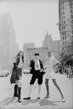 1967 Models Collen Osbourne, Peggy Moffitt and Sonia Pugin pose in the streets of New York City.