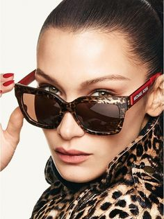 Michael Kors Leopard Berkshires Sunglasses modelled by the stunning Miss Bella Hadid. Michael Kors Berkshires sunglasses feature oversized square frames to suit almost every face shape and the bold Michael Kors logo lettering at each arm. Leopard Bag, Leopard Print Leggings, Leopard Boots, Leopard Print Skirt, Leopard Fashion, Animal Print Fashion, Fashion Prints, Michael Kors Sunglasses, Michael Kors Watch