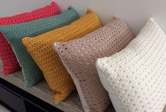 Almofada crochê Real - Paris areia | Casa-me! - Studio Decor | Elo7