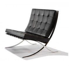 Barcelona Chair zwart  De Barcelona Chair is geïnspireerd op het welbekende ontwerp van Ludwig Mies van der Rohe. De fauteuil is van top kwaliteit en gemaakt van echte runder leder en met een verchroomd frame. De Barcelona Chair is een tijdloos ontwerp dat past in vele verschillende interieurs. De stoel is daardoor zowel zakelijk als privé uitstekend toe te passen. De fauteuil is verkrijgbaar in de kleuren: wit, zwart, donkerbruin en cognac.