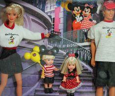 Mattel Barbie Walt Disney World Resort Vacation w Barbie, Tommy, Kelly and Ken Dolls for sale online Disney Barbie Dolls, Barbie Cartoon, Barbie 90s, Vintage Barbie Dolls, Barbie Kelly, Barbie And Ken, Vacation Resorts, Disney World Resorts, Big Brown Eyes