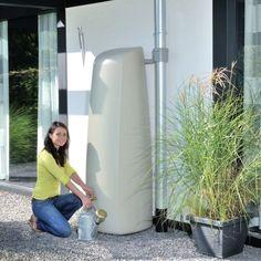 http://www.plantes-et-jardins.com/p/31195-recuperateur-deau-mural-elegance-400l-sable-garantia