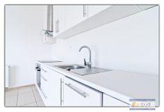 Dla osób, które cenią sobie bardziej klasyczny wyglad wnętrza mamy następującą wizualizację: http://artbud.szczecin.pl/inwestycje/1/w-sprzedazy