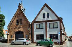 Waren-Müritz   Feuerwehr - Die alte Feuerwache auf dem historischen Markt.