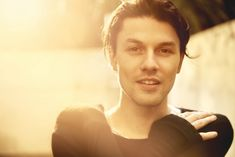 "James Bay w teledysku do singla ""Us"""