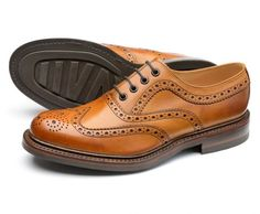 Loake classic English shoemakers since Popular styles include brogues, oxfords, mocasins, boots for sale online. Brogues, Loafers, Derby, Music Tattoos, Boots For Sale, Mens Fashion, Fashion Tips, Fashion Hacks, Calf Leather