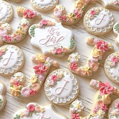 and they turned out so good! Thanks Kacey Genessy f… Floral baby shower cookies! and they turned out so good! Thanks Kacey Genessy for ordering! Fancy Cookies, Iced Cookies, Cute Cookies, Royal Icing Cookies, Icing For Sugar Cookies, Heart Cookies, Baby Girl Cookies, Baby Shower Cookies, Baby Shower Cupcakes For Girls