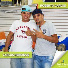 Bom dia família Feirinha da Concórdia! Esses são o Carlos Henrique e o Roberto Carlos! Eles estão esperando você aqui para melhor atende-la! Venha conferir as ofertas de blusinhas e vestidos!   #melhorfeirinhadobrás #família #Brás #compras