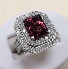 Estate 5 27 Carats Natural Burgundy Tourmaline and Diamond 14k White Gold Ring