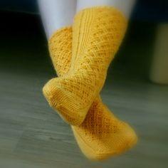 Knitting Socks, Knit Socks, Needlework, Free Pattern, Knit Crochet, Slippers, Stitch, Hooks, Projects