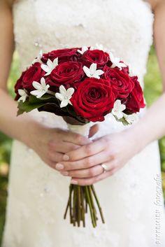 bruidsboeket, bruiloft, roos, rozen, rood, rode roos, rode rozen, witte bloemen, bloemen, bloemen, siersteen, diamant, wedding, bridal bouquet, bride's bouquet, roses, rose, flowers, diamonds