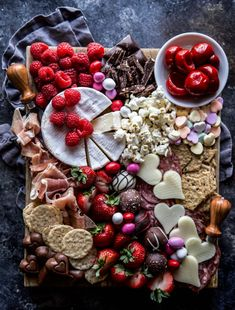 Valentine's Day Charcuterie Board – Climbing Grier Mountain Charcuterie Recipes, Charcuterie Platter, Charcuterie And Cheese Board, Cheese Boards, Charcuterie Gifts, Brunch, Valentines Day Food, Valentine Dinner Ideas, Baked Chicken Wings