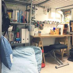My Desk/フェリシモ/3coins/男子部屋/IKEAマグネットケース/IKEAの棚...などのインテリア実例 - 2017-06-21 15:53:26 | RoomClip (ルームクリップ) Cool Room Decor, Cool Rooms, Diy Bedroom Decor, Home Decor, Loft Bed Plans, Study Rooms, Room Setup, Corner Desk, Bedrooms