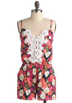 Floral + Romper + Lace = NEED.