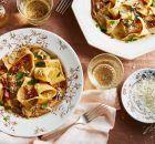 Παπαρδέλες με ψιλοκομμένο φιλέτο κοτόπουλου Potato Salad, Potatoes, Meat, Chicken, Ethnic Recipes, Food, Potato, Meals, Yemek