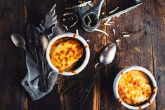 French Onion Soup with Fin du Monde French Onion, Food Items, Chana Masala, Soups And Stews, Cheeseburger Chowder, Ramen, Salads, Cooking, Ethnic Recipes