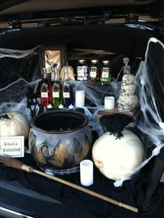 Trunk or Treat Witch's Workshop!! Thanks to my mom for helping me execute this for our first Trunk or Treat!