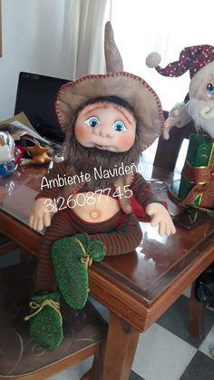 Christmas Ornament Crafts, Felt Christmas, Diy Christmas Gifts, Christmas Home, Dibujos Baby Shower, Scandinavian Gnomes, Elves, Diy And Crafts, Crochet Hats