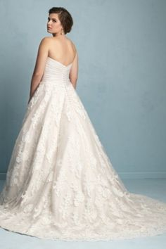 A-line Sweetheart Court Train Lace Fabric Plus Size Wedding Dresses With Ruched Metal Style 1554122