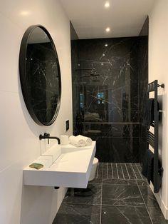 Best Bathroom Designs, Bathroom Design Luxury, Modern Bathroom Design, Modern House Design, Home Room Design, Dream Home Design, Home Interior Design, Estilo Interior, Bathroom Inspiration