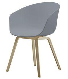 Fauteuil About a chair / Coque plastique & pieds bois Gris / Piètement bois naturel - Hay