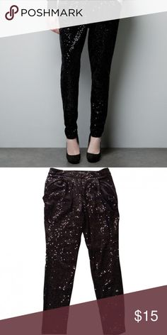 Zara Basics Sequined Black Trousers Pants These are SOO adorable! Zara Basics sequined Black Trouser Pant. Size 6. True to size. Great condition! Only worn a hand full of times so like new. Style is almost like a Jogger. Loose pockets. Check out my closet for more and be sure to bundle and save! Zara Pants Ankle & Cropped
