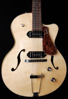 Godin 5th Avenue Kingpin II