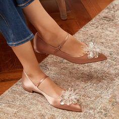 Designer Flat Shoes For Women Bridal Shoes, Wedding Shoes, Cute Shoes, Me Too Shoes, Mode Chic, Shoe Clips, Shoes Heels Wedges, Dream Shoes, Ankle Strap Sandals
