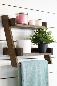 Floating Ladder Shelf with Towel Bar – Towel hanger diy Bathroom Ladder Shelf, Towel Rack Bathroom, Bathroom Storage, Ladder Towel Racks, Towel Hanger, Towel Shelf, Wood Projects, Woodworking Projects, Woodworking Books