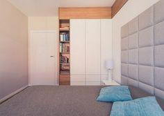 furnishing-ideas-bedroom-fitted-wardrobe-white-matt-wooden-shelves.jpg 600×428 pixeli