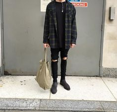 20 more androgynous fashion grunge casual ! Grunge Outfits, Style Outfits, Cool Outfits, Fashion Outfits, Fashion Books, Fashion Ideas, Hipster Outfits Men, Fresh Outfits, Fashion Articles