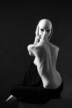 ♂ Black and white mask Talk to my back while I pretend to be looking at you but can't hear you either