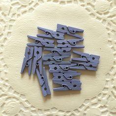 Aliexpress.com: Comprar 25 luz lavanda púrpura MINI pinzas de madera contactos de ropa banners de embalaje de regalo de la fiesta de cumpleaños favorece bebé ducha de la boda de caja de regalo para la alimentación fiable proveedores en aMushroom