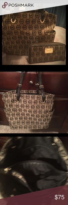 Authentic Michael Kors w/wallet Micheal Kors with matching wallet. Michael Kors Bags Shoulder Bags
