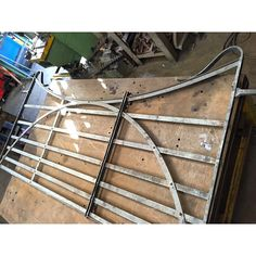 These forged blacksmith estate gates are underway at the moment. I love the honest, utilitarian quality in this classic wrought iron gate design. Metal Driveway Gates, Front Gates, Entrance Gates, Wrought Iron Gate Designs, Wrought Iron Garden Gates, Gates And Railings, Metal Railings, Diy Gate, Franklin Homes