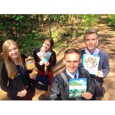 Friends spending time in the ministry during school break in Poland. Photo shared by @qirgi