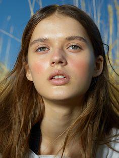 For Vogue [ Ukraine ]ph : Kargina Kseniyast : Julie Pelipas