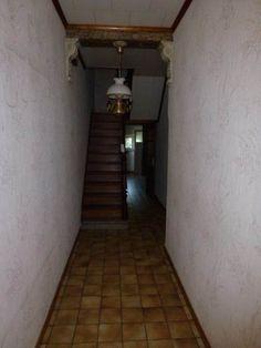 Maison à vendre à Liège - 125 000 € - Logic-immo.be - Une maison d'habitation en bon état avec 2 chambres, terrasse et jardin.  Sous-sol: 2 caves, buanderie avec accès terrasse et jardin.  Rez de chaussée: spacieux hall d'entrée, salon (4,20x3,80), salle...