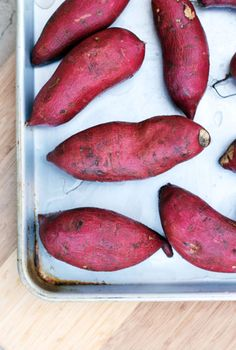 sweet potato town in japan with my mom, she loves sweet potato #monogramsvacation Japanese Potato, Japanese Food, Cooking Recipes, Healthy Recipes, Sweet Potato Recipes, Paleo Dinner, Cookies Et Biscuits, Hawaii, Bon Appetit