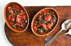 Recipe: Turkish spinach with tomatoes and rice || Photo: Andrew Scrivani for The New York Times