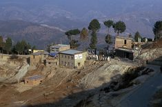 NP183623 Nepal Nagarkotin kylä Kathmandun laaksossa 1995 Bhutan, Nepal, Mansions, House Styles, Home Decor, Decoration Home, Manor Houses, Room Decor, Villas