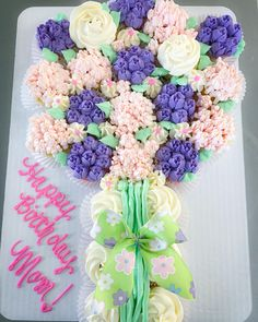 Welcome Spring-weve been waiting for you! #pullapartcupcakes #springiscoming #floralcupcakes Floral Cupcakes, Pull Apart Cupcakes, Welcome Spring, Spring Is Coming, Blessings, Waiting, Floral Wreath, Blessed, Lisa