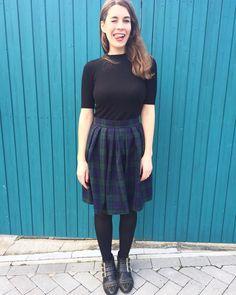 SOIshowoff: Sew Over It Lizzie Skirt in tartan - lovely for Autumn! Sew Over It Patterns, Skirt Patterns Sewing, Vintage Sewing Patterns, Skirt Sewing, Tartan Dress, Refashion, Dressmaking, Couture, Midi Skirt