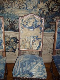 tapestry chairs Awesome! Love the white and blue Sure as shooting i would spill on it!