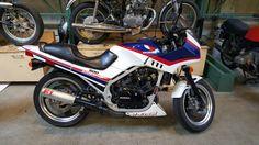 Engine swap time for this 1984 Honda VF500 Interceptor