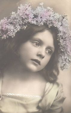 Looks like the little girl model, Josephine Anderson, frequently photographed by M. B. Parkinson (c. 1897)