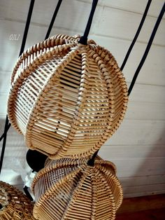 Wicker Pendant Light, Bamboo Light, Bamboo House, Newspaper Basket, Lampshades, Basket Weaving, Hanging Chair, Rattan, Diy And Crafts