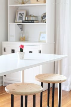 A light, bright office with DIY pipe stools and a great space-saving solution. Counter Height Kitchen Table, Kitchen Tables, Diy Furniture, Furniture Design, Bright Office, Blogger Home, Simply Home, Diy Pipe, Inspiration Design