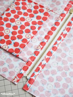 Sewing Hacks, Sewing Tutorials, Sewing Crafts, Tutorial Sewing, Easy Sewing Patterns, Bag Patterns To Sew, Costura Diy, Zipper Pouch Tutorial, Sewing Projects For Beginners