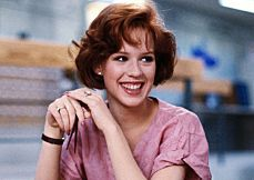 Thanks to her work with director John Hughes, Molly Ringwald was one of the most iconic teenagers in film history. Molly Ringwald, Breakfast Club Characters, The Breakfast Club, Iconic 80s Movies, Iconic Movie Characters, Looks Teen, Die 100, 80s Icons, Blogging